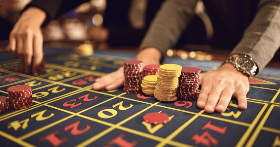 Страничните залози на доброто и лошото в казиното на живо
