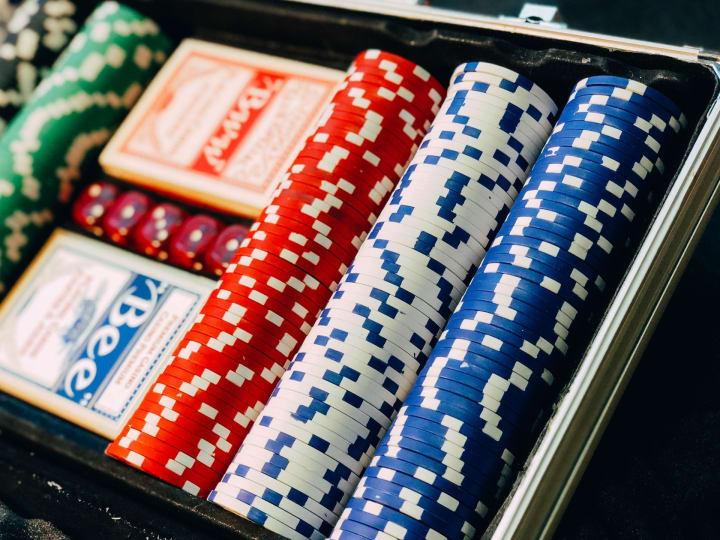 2 Hand Casino Hold'em