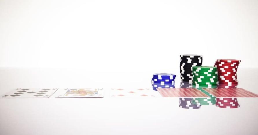 Разберете правилото на Blackjack Soft 17 в онлайн хазарта