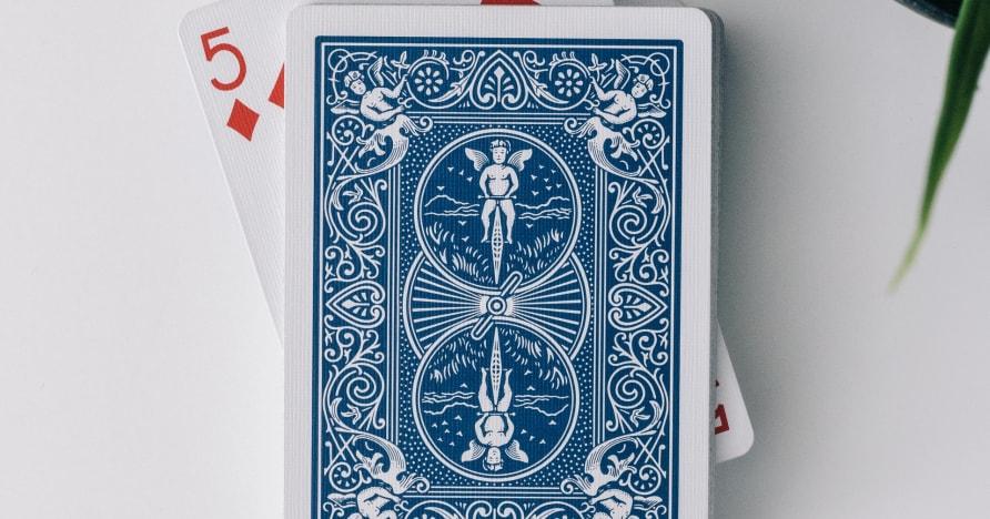 Покерът с карти Live 3 на Evolution