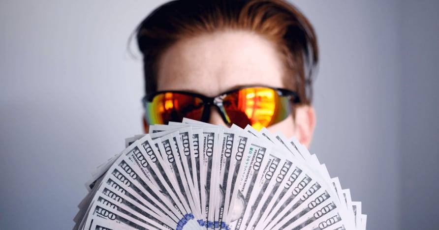 За Texas Holdem Poker