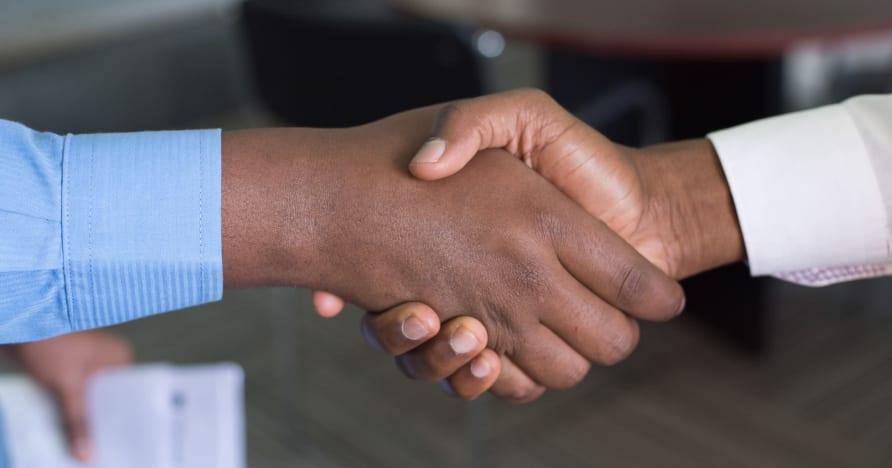 Evolution разширява партньорството с Entain във Великобритания